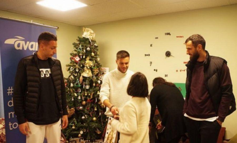 Την «Πρωτοβουλία για το παιδί» στη Βέροια, επισκέφθηκαν ποδοσφαιριστές της ΠΑΕ Άρης.