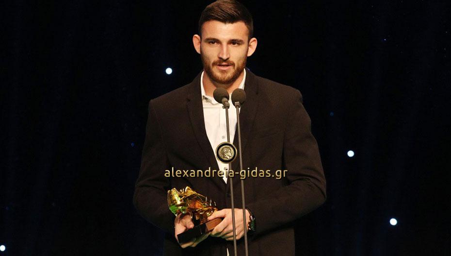 Σάρωσε στα βραβεία του ΠΣΑΠ ο Δημήτρης Μάνος, ο διάσημος Ρουμλουκιώτης ποδοσφαιριστής του ΟΦΗ