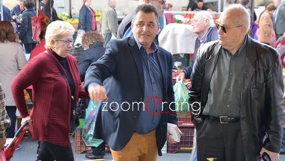 Την αγορά της Αλεξάνδρειας επισκέφτηκε ο Κώστας Καλαϊτζίδης (εικόνες)