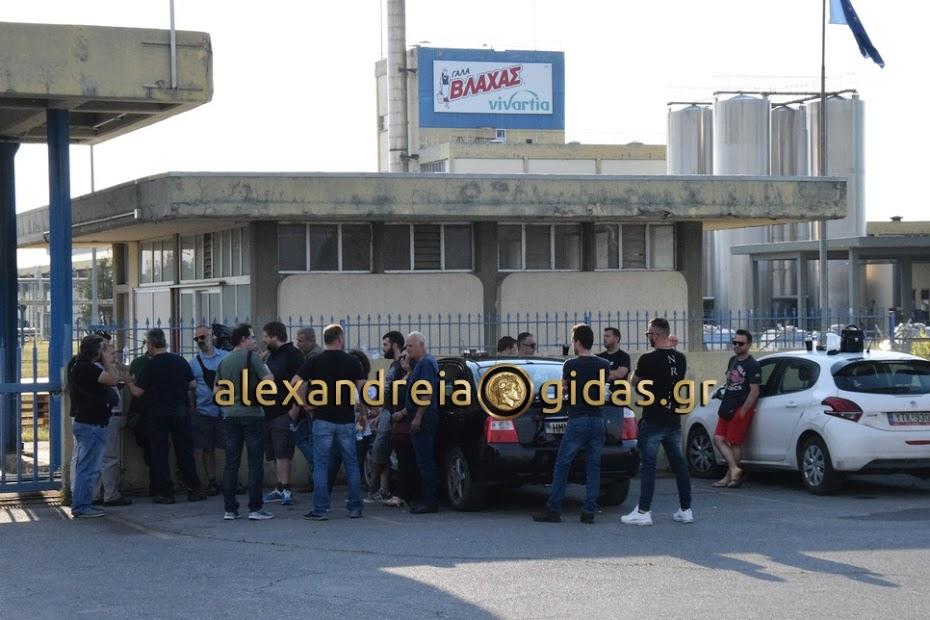 Στο πλευρό των απεργών της ΔΕΛΤΑ (Πλατύ), ο Κώστας Καλαϊτζίδης και το δημοτικό συμβούλιο Αλεξάνδρειας